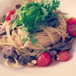 牛肉とチェリートマト、コリアンダーのスパゲッティー