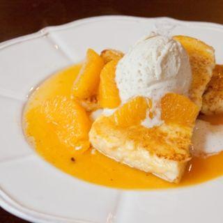 フレンチトースト オレンジシュゼット バニラアイス添え(Tiaras Cafe & Shop)