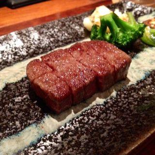 黒毛和牛ステーキ フィレ(鉄板Dining 芳)
