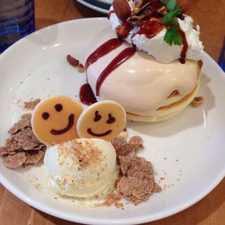 キャラメルナッツパンケーキ(パンケーキデイズ 名古屋近鉄パッセ店  (PANCAKE DAYs))