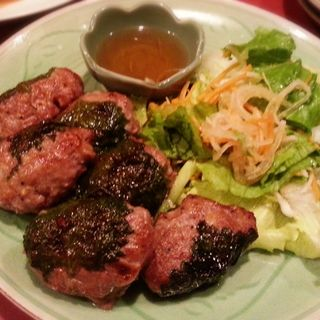 豚挽肉の大葉包み焼き(ニャー・ヴェトナム)