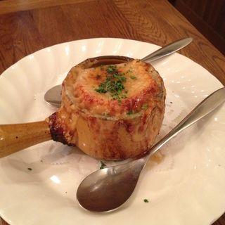 オニオングラタンスープ(ビストロ プーフェ (bistrot Pouffer))