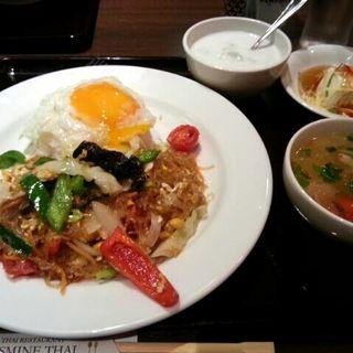 タイ焼きそばセット(ジャスミン タイ コレド室町店 (JASMINE THAI))