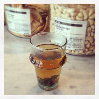 Mint tea(クンバ ドゥ ファラフェル (Kuumba du Falafel))