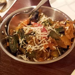 ビンディ・ベェガン(茄子とオクラのカリー)(アーンドラ・キッチン (Andhra Kitchen))