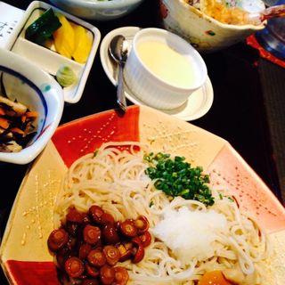 ミニ天丼とミニ冷しきのこランチ(手打蕎麦 加寿屋 (てうちそば かずや))