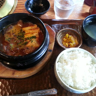 韓国風牛煮込み定食(喜福世 (キッポヨ))