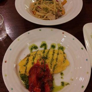 ぷりぷりエビのバジルチーズオムライス(キッチンパレット 相鉄ジョイナス店 (Kitchen Palette))