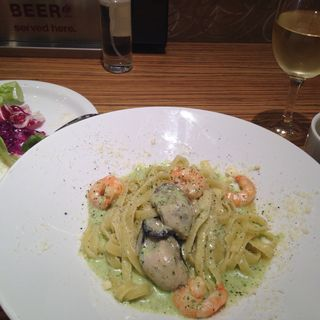 牡蠣とエビのクリームソース タリアッテッレ(オイスター テーブル 銀座コリドー店 (Oyster Table))