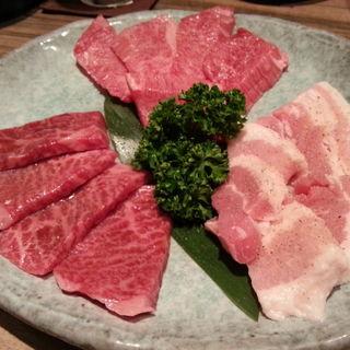 お得肉の盛り合わせ(なかむら)