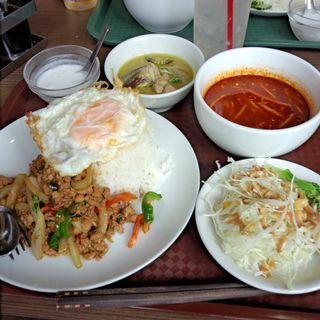 ガパオ&グリーンカレーセット+トムヤムスープ(タイ料理セーンタイ )