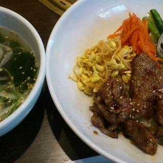 黒毛和牛焼肉丼(焼肉 腰塚 自由が丘店 )