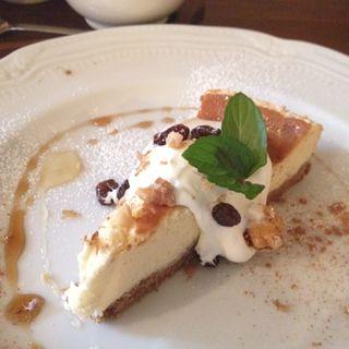 プレミアムべイクドチーズケーキ(bistro & cafe La ChouChou (ビストロアンドカフェラシュシュ))
