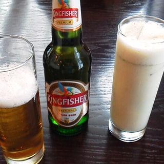 キングフィッシャービールとスパイシーソルトラッシー (アーンドラ・ダイニング 銀座 (Andhra Dining GINZA))