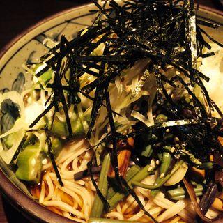 ぶっかけうどん(MARU-SU Dining Akio製麺所 (マルスダイニングアキオセイメンジョ))