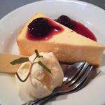 チーズケーキ(どぶ板食堂 Perry)