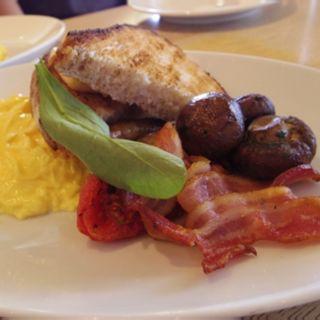 Full aussie breakfast(bills 七里ケ浜)
