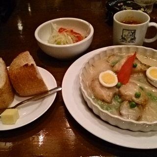 ランチメニュー 魚介のクリーム煮(カサデフジモリ )