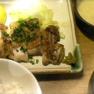 鶏もも肉の炙り焼き定食(有楽町 うまやの楽屋 )