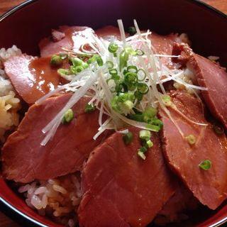 馬肉チャーシュー丼(プレミアム馬かばい HANARE)