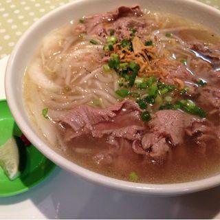 牛しゃぶ肉のフォー(カンのベトナムキッチン 銀座999)