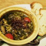 牡蠣とツブ貝のエスニック風アヒージョ