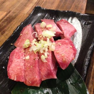 厚切りタン(ホルモン焼肉 肉の大山 )