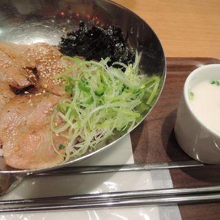 サムギョプサル丼(Vegeけなりぃ ecute品川South店 (ベジケナリイ))