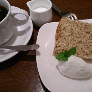 シフォンケーキ(SLOW CAFE)