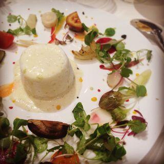 海藻バター風味の卵のスフレ 季節野菜のポタジェール(フレンチレストラン フルーヴ (Fleuve))