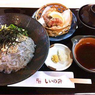生しらす丼と蛸唐のセット(旬菜魚彩しいのみ)