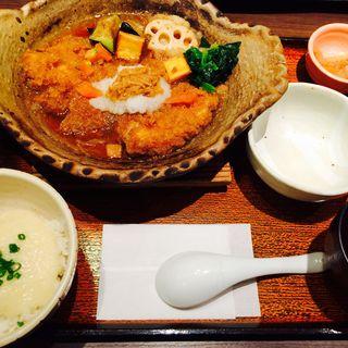 チキンカツかあさん煮定食(大戸屋 モザイクボックス川西店 )