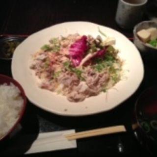 豚しゃぶ定食(北浜ひな)
