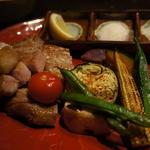 京都産丹波豚のバラ焼き
