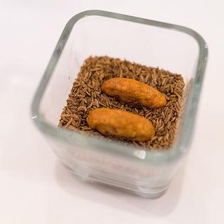 チーズのクッキー キャラウェイ風味(stesso e Magari CHIC)