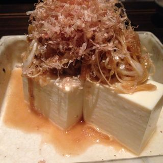 ジャコと玉葱豆腐(蕎麦屋 山都)