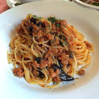 スパゲッティ、茄子とハムのミートソース(S.S.コロンビア・ダイニングルーム (エスエス コロンビア・ダイニングルーム))