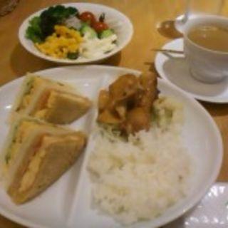 コンビランチ(千疋屋レストラン BIWAWA 京橋店 (センビキヤレストランビワワ))