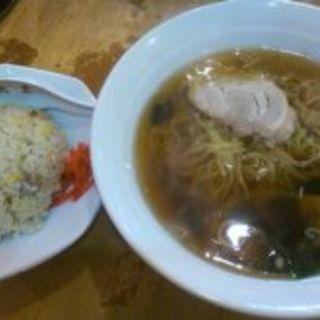 ラーメンと半チャーハンセット(中華つけ麺大王)