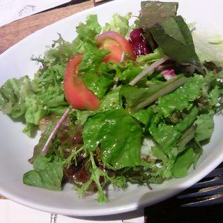お野菜たっぷりのモキチサラダ(MOKICHI TRATTORIA)