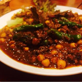 ひよこ豆とししとうのスパイシーラムキーマカレー(オカノカリー (OKANO CURRY))