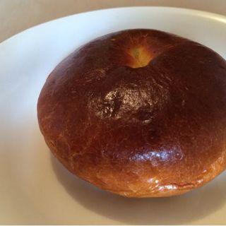 クリームチーズあんパン(ROJIURA BAKERY)