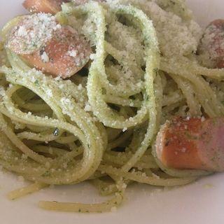 ソーセージとパルミジャーノバジルソースのスパゲティ(milieu)