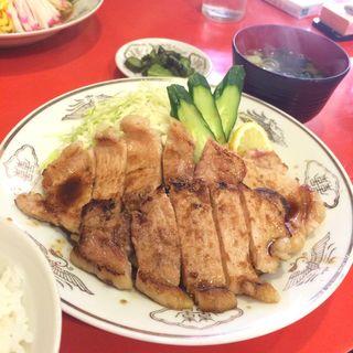 豚ロースショウガ焼き定食(白龍)