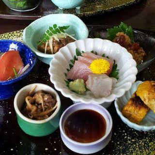 彩り膳(悠庵 島作)