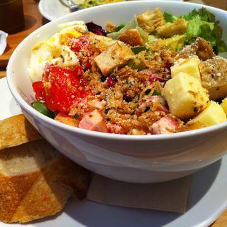 特製まかないサラダ(RH Cafe 千駄ヶ谷店 (アールエイチカフェ))