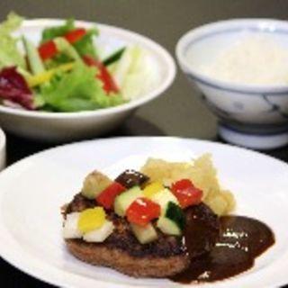 鉄板焼 ハンバーグセット(ランチ)(車屋 別館 (くるまやべっかん))