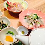 ブリ胡麻茶漬けとアジと鯛の胡麻海鮮丼
