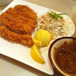 ロースかつ(Pork Cutlet)(極楽らーめん(Goku Raku Ramen) ミッドバレー店)