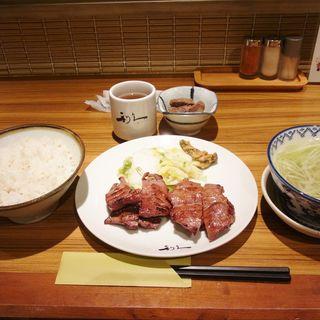 牛タンランチセット(牛たん炭焼き 利久 東口本店 (ぎゅうたんすみやき りきゅう))